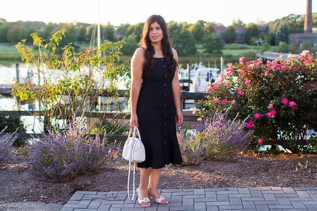 black linen button front dress, white bag, ferragamo slides, pearl earrings-1.jpg