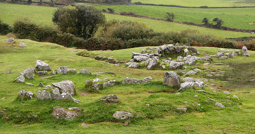 Un cercle de pierre de l'âge du fer à Drombeg, Irlande