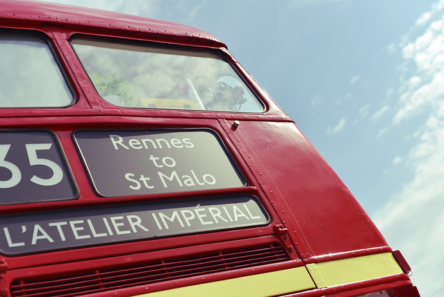 Bus à impériale Saint-Malo - atana studio