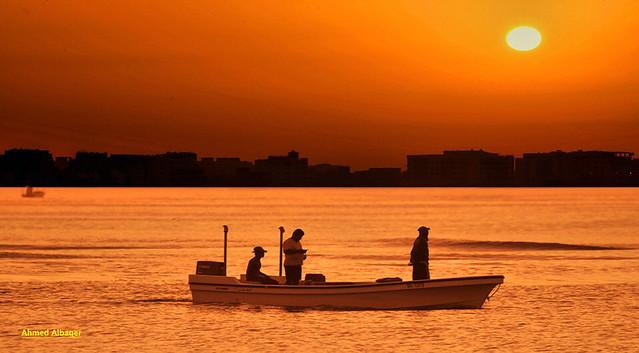 Fishing at sunrise الحداق في أول الشروق