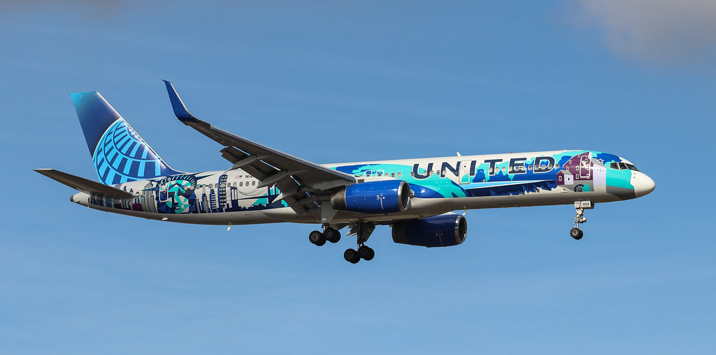 B757-224 N14102 United Airlines (New York Art Livery)
