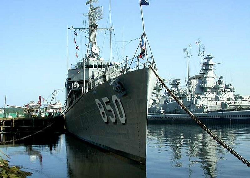 USS Joseph Kennedy DD-850  00008