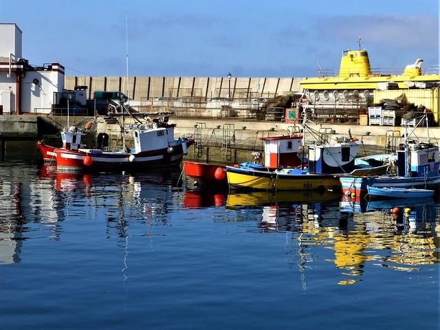 Puerto Mogán - fishing boats and yellow submarine = Gran Canaria
