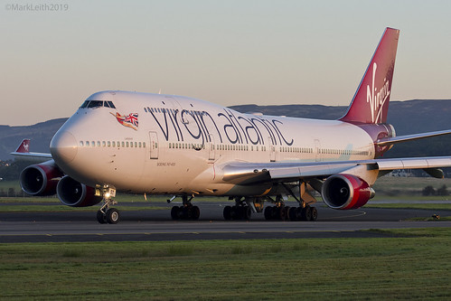glasgow airport egpf scotland scottish sunshine sunrise sunny flying aviation jet boeing 747 queen skies va virgin atlantic markleithphotography mark leith photography nikon nikkor 70200vrii