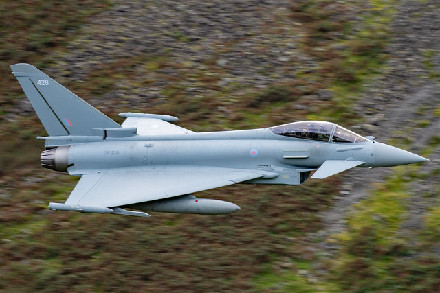 ZK428 RAF Typhoon FGR4 low level in the Lake District