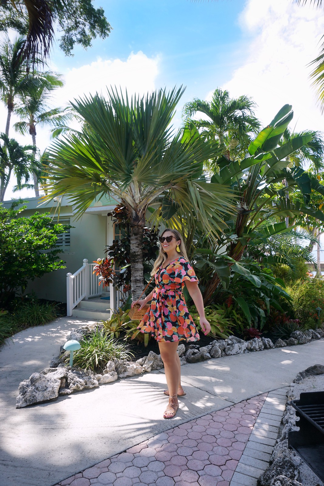 fruit-print-dress-ultimate-road-trip-5-days-florida-keys-itinerary-what-to-do-key-west-key-largo-islamorada-marathon-miami-vacation-guide