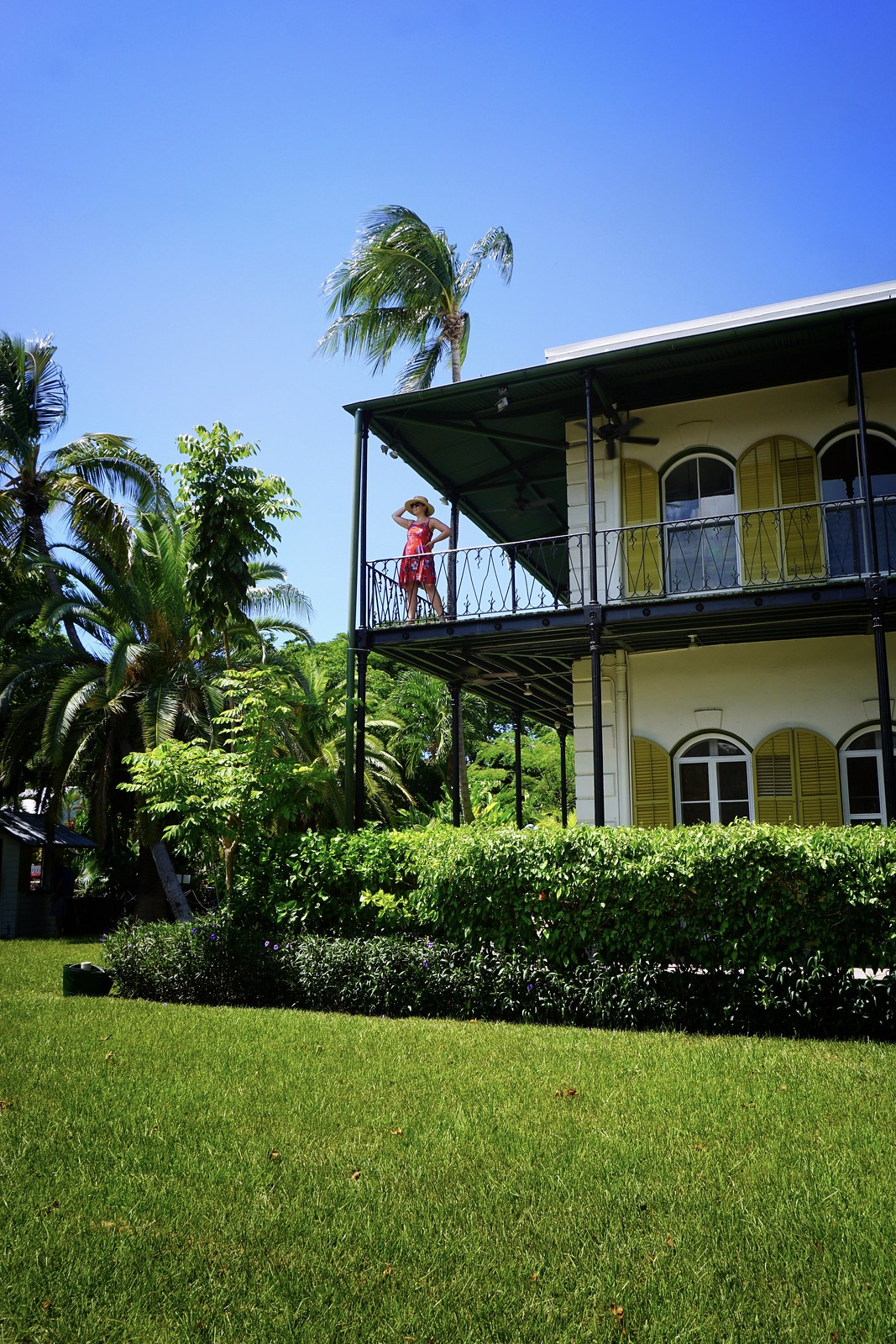 ernest-humingway-home-ultimate-road-trip-5-days-florida-keys-itinerary-what-to-do-key-west-key-largo-islamorada-marathon-miami-vacation-guide