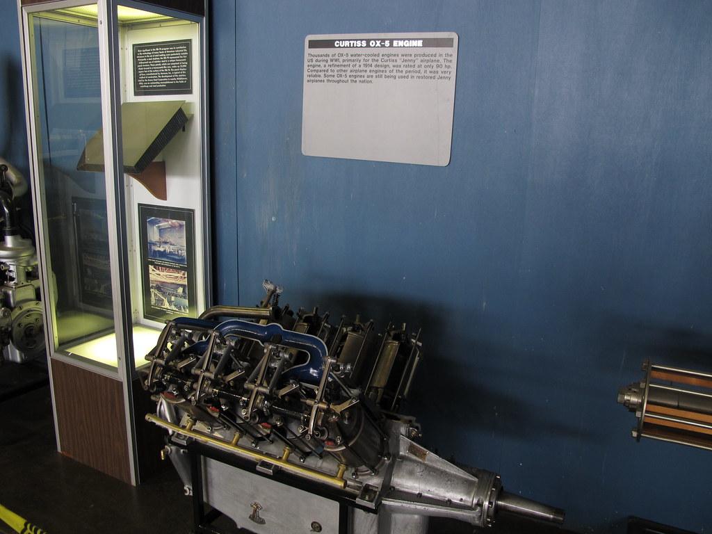 Curtiss OX-5 Engine