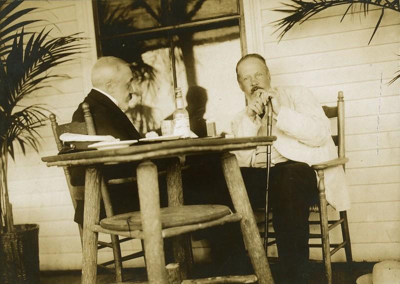 С.Ю. Витте и барон Р.Р. Розен в пальмовом саду Wentworth Hotel