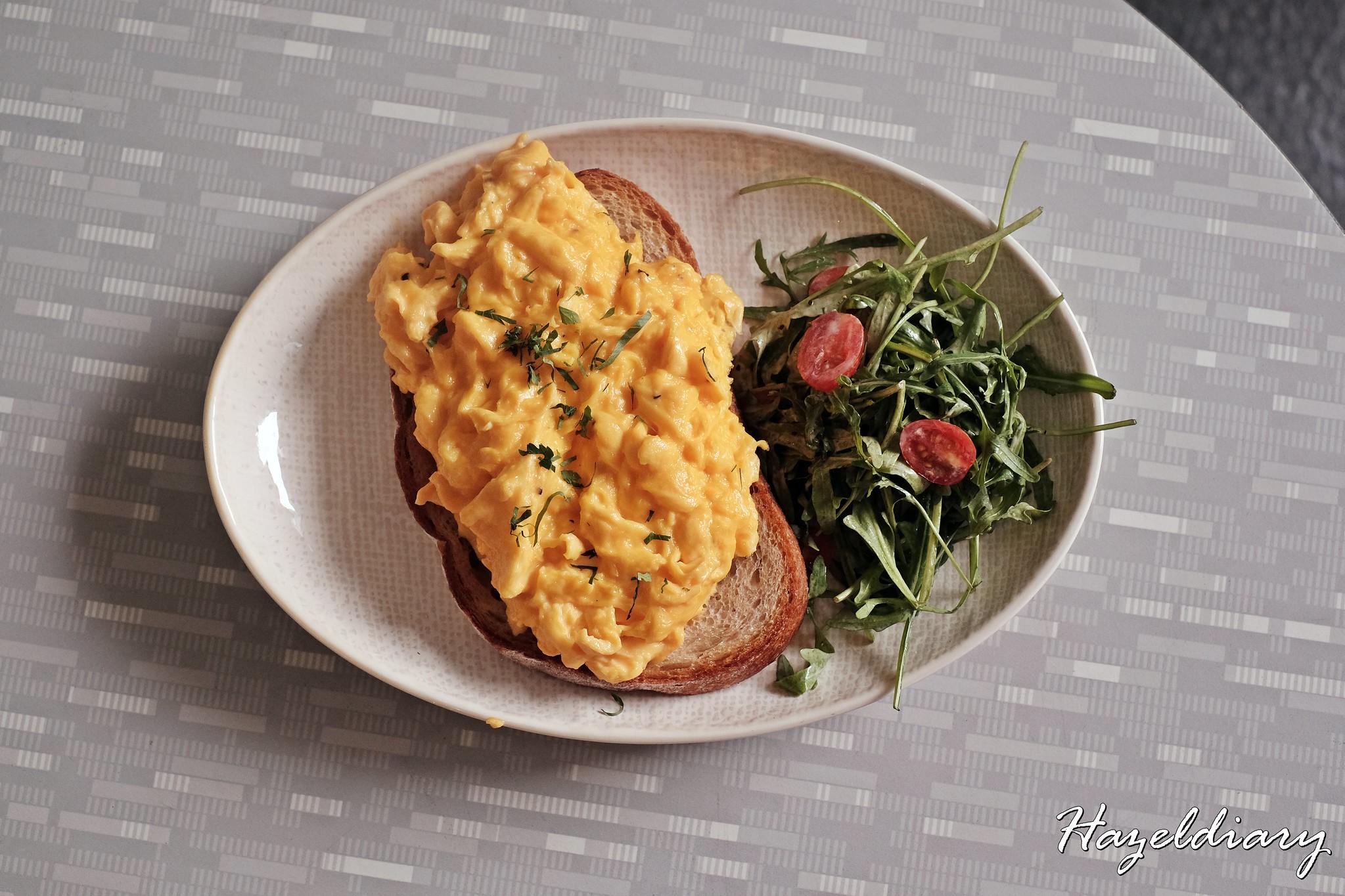 Memo Cafe Studio M Hotel -Eggs & Toast