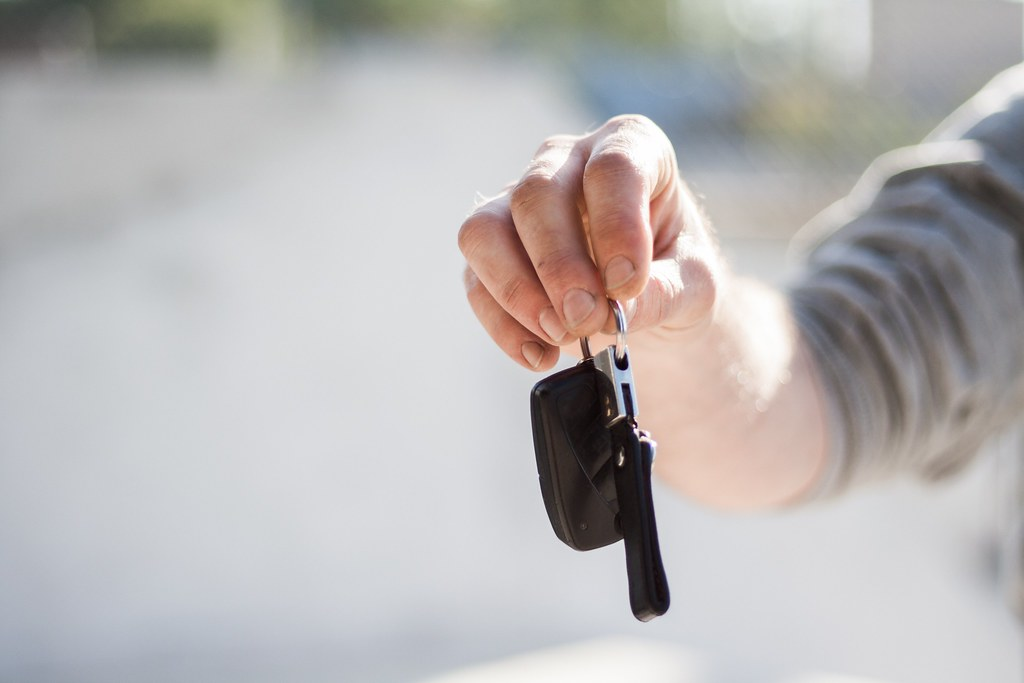 car-buying-car-dealership-car-key-97079