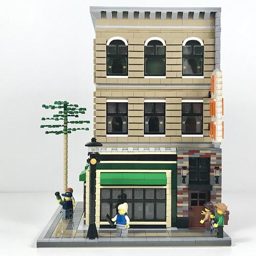 Backpacker's Inn and Irish Pub