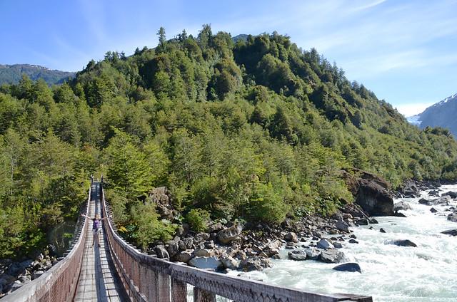 Bridge into the wild, Quelat, Chile