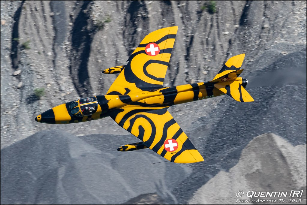 Hawker Hunter HB-RVV J-4206 Zigermeet Mollis en Suisse Canon Sigma France contemporary lens Meeting Aerien 2019