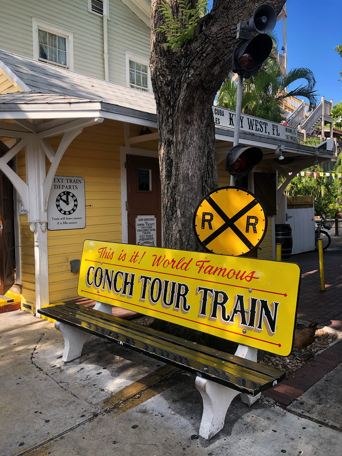 conch-tour-train-ultimate-road-trip-5-days-florida-keys-itinerary-what-to-do-key-west-key-largo-islamorada-marathon-miami-vacation-guide