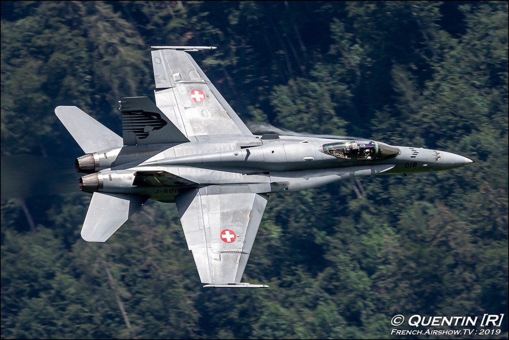 F/A-18 Swiss Hornet Solo Display Team Zigermeet Mollis en Suisse Canon Sigma France contemporary lens Meeting Aerien 2019