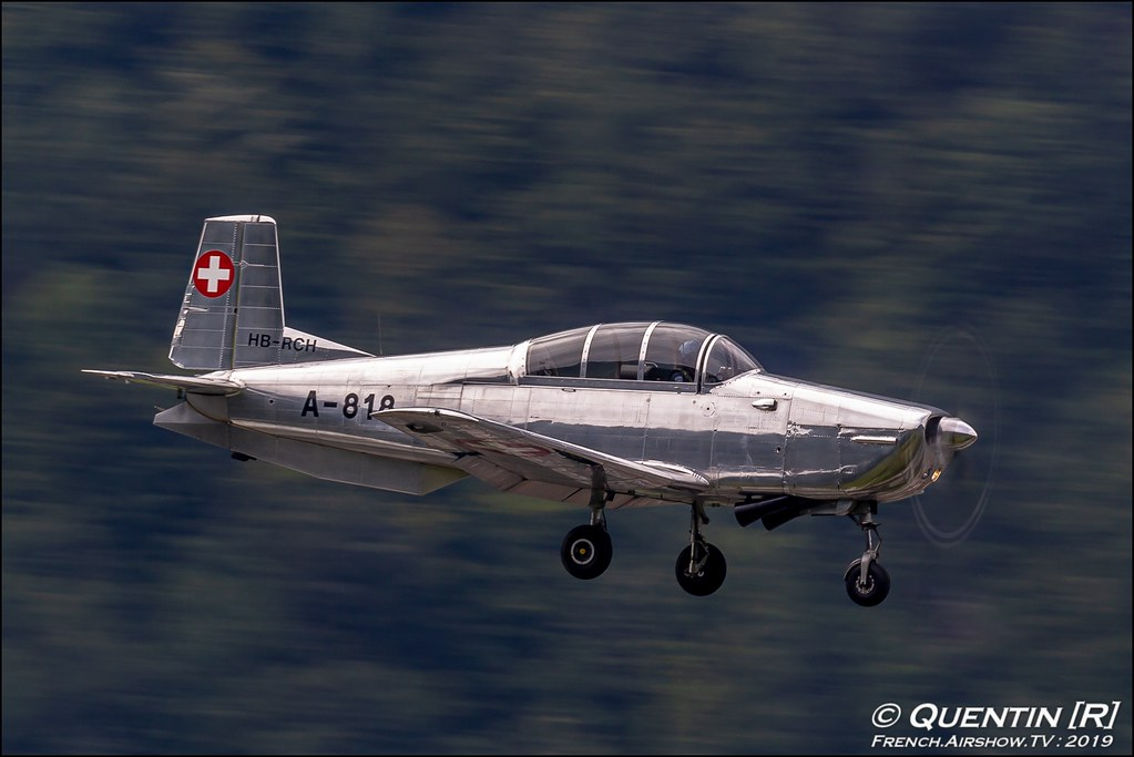 P3 Flyers Aerobatic Team Zigermeet Mollis en Suisse Canon Sigma France contemporary lens Meeting Aerien 2019