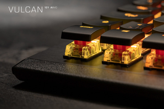 ROC-Vulcan-121_Real-Pic_Red-Switch_06