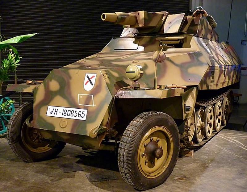SdKfz 251 Stummel 1