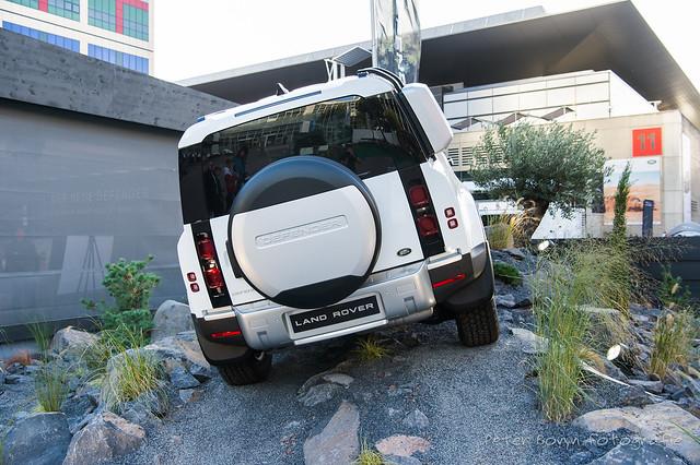Land-Rover Defender 110 D240 S