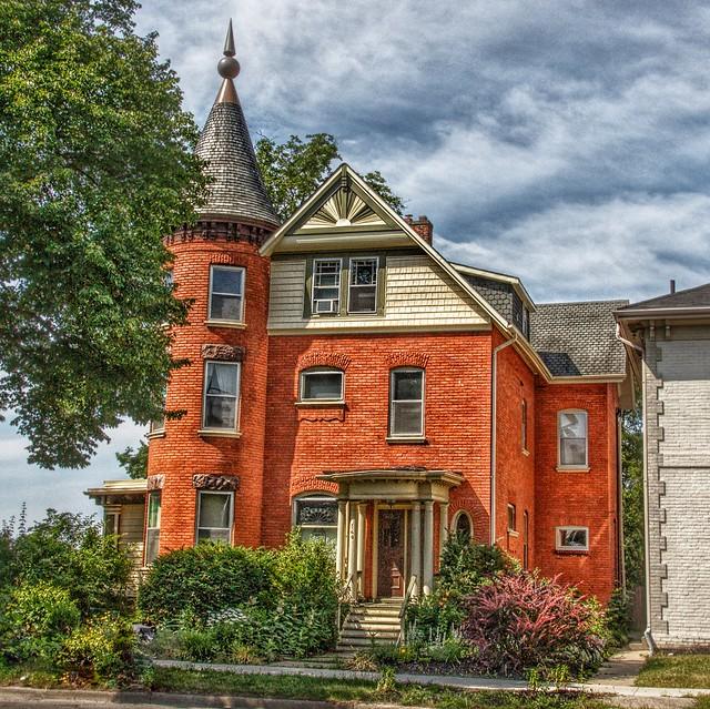 Brantford Ontario - Canada  -  140 Brant Street - Architecture