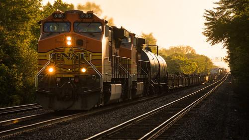 bnsf train railroad manifest highlands illinois sunrise goldenhour nikond800 nikonafnikkor80200mmf28d
