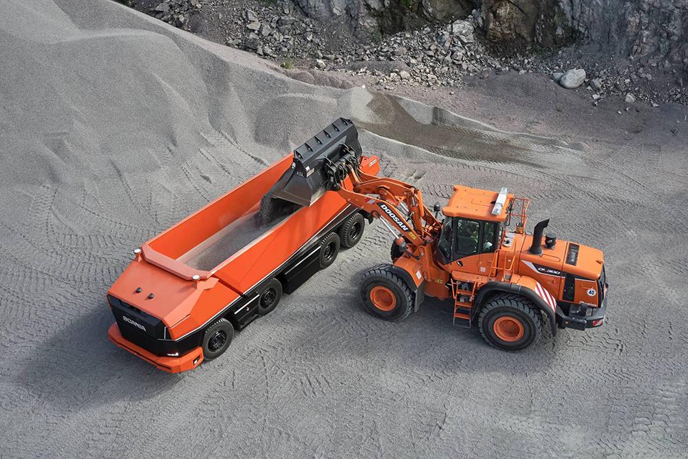 ef4c1fce-scania-axl-autonomous-concept-truck-9