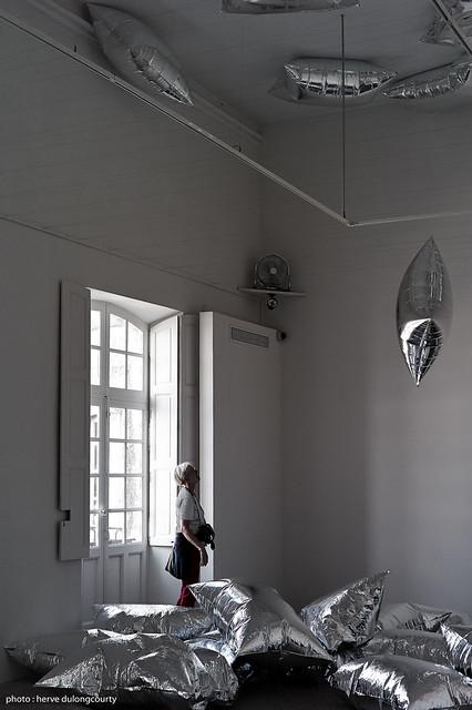 Exhibition NUAGE - Andy Warhol : Silver Clouds, 1966 - 2013