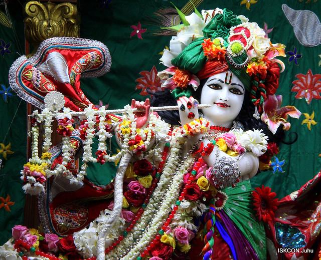 ISKCON Juhu Sringar Deity Darshan on 25th Sep 2019