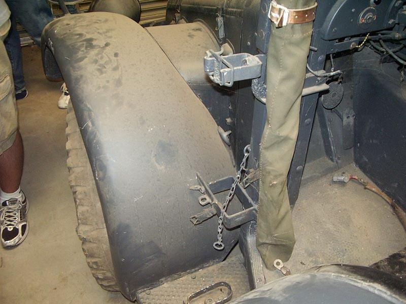Krupp Kfz.81 Protze 00009
