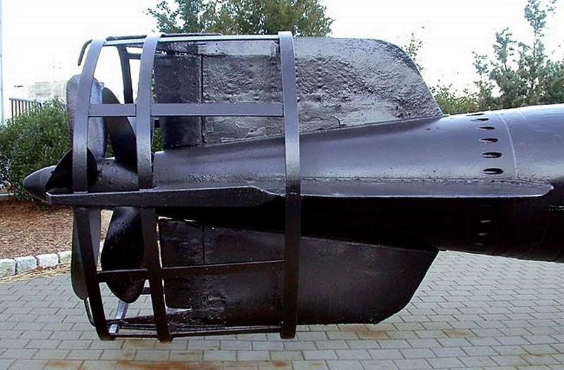 Type A Midget Submarine 00009