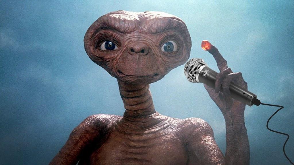 這E.T手勢不單純!繼晨起小木偶後的又一新作 Mighty JaXX x JUCE GACE 「HOLE-HOME」全球限量99體