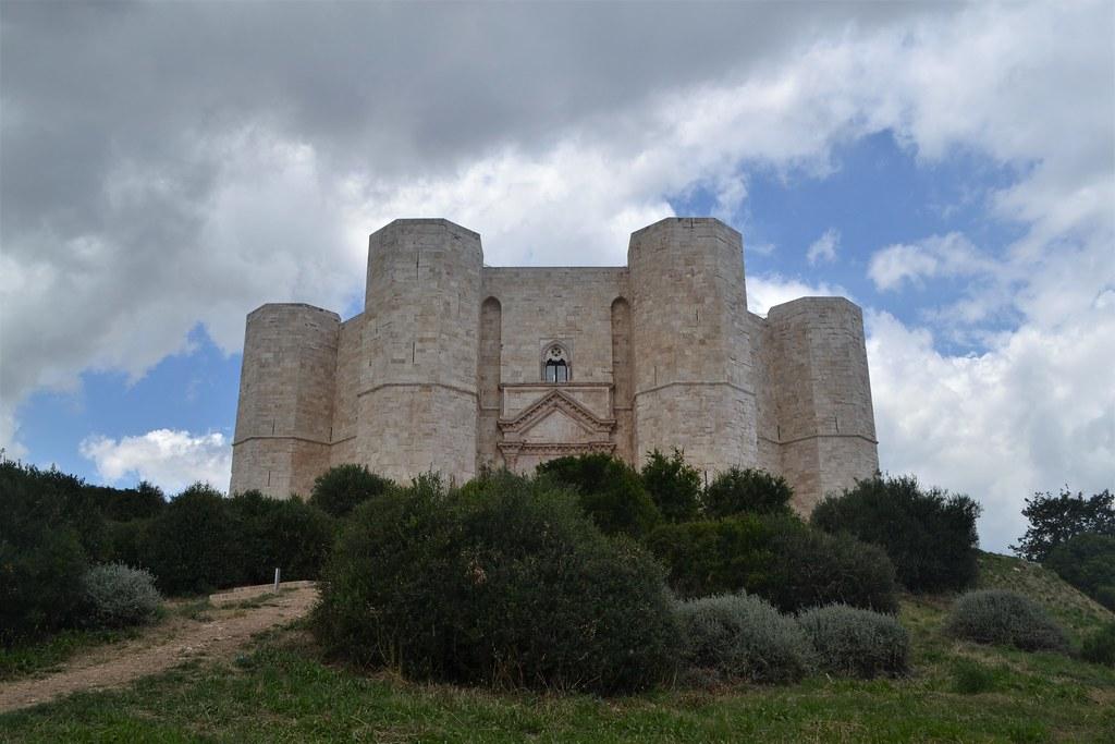 castelldelMonte18