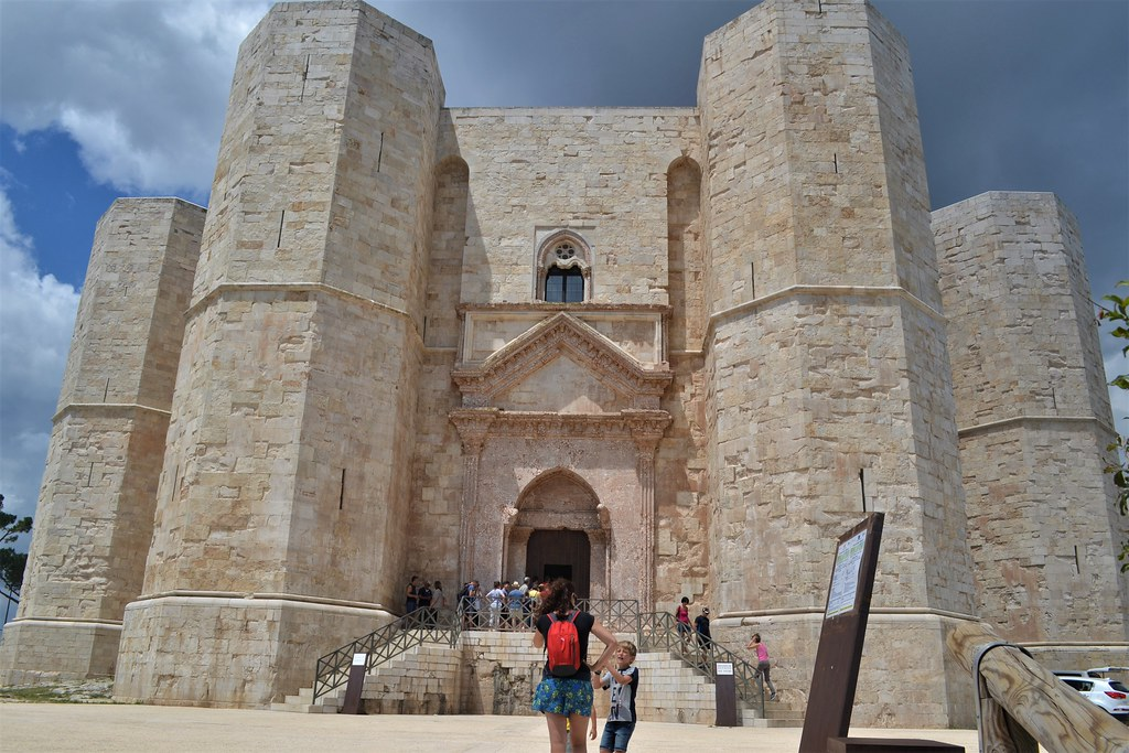 castelldelMonte16