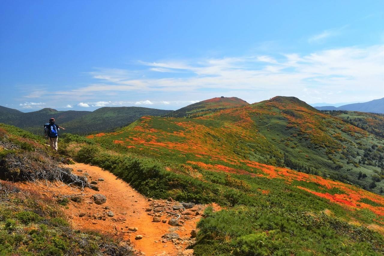 小畚山から三ツ石山へ 日帰り紅葉登山