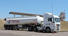 Unitrans M.A.N. TGS 26-440 tanker0199 at Alzu N4 Total. 12.9.2019. 2.