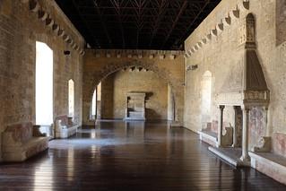 Castello_di_gioia_del_colle,_interno,_sala_del_trono_01