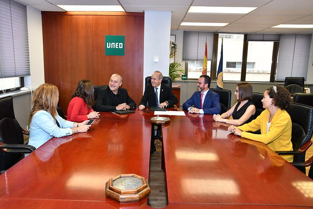Acuerdo UNED- Fundación Mascoteros (25/09/2019)