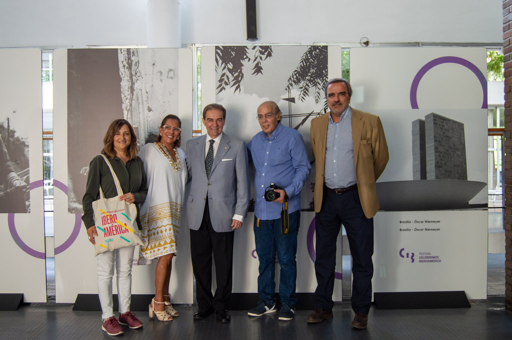 Inauguración de la exposición fotográfica de Paulo Velosa