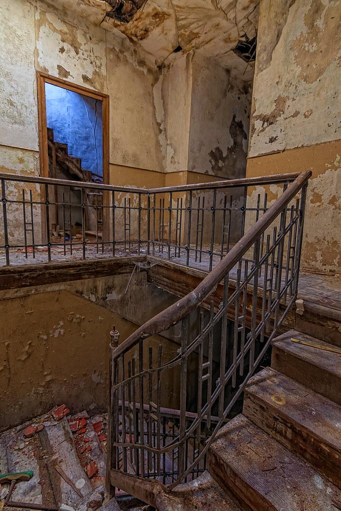 Escalera interior. 48793604511_52bb43541a_b