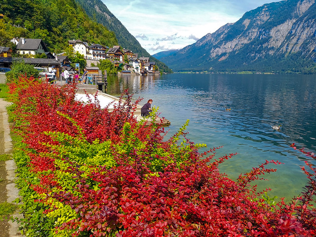 A lakeside shot in the UNESCO World Heritage town of Hallstatt, Austria.