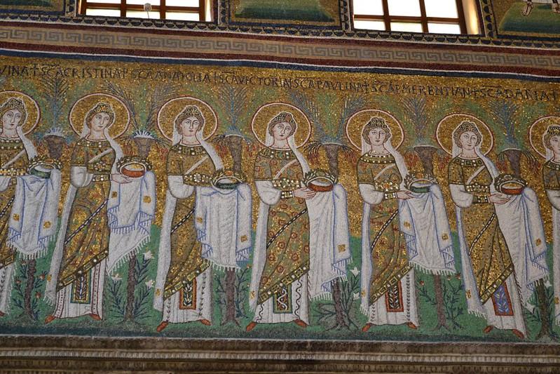 19 Сан- Аполлинаре Нуово Св.мученицы  Мозаика .