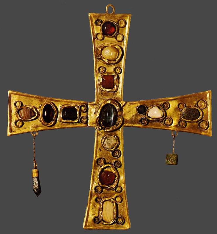 47 золотой Крест. Испания. Вестготы. VII в; местонахождение  Барселона. Музей Археологии
