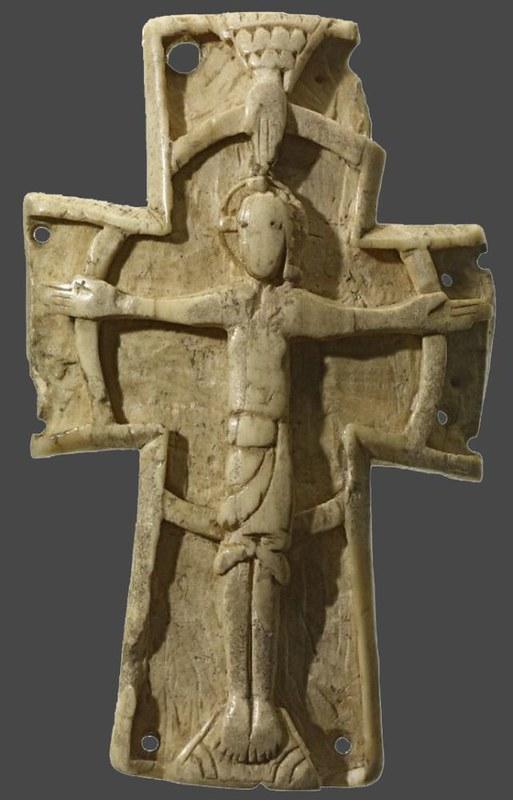 95 Крест наперсный. Англосаксонская Британия. XI в. местонахождение Англия. Лондон. Британский музей