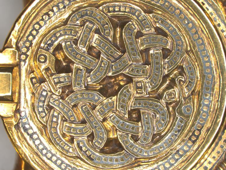 07 Англо-саксонская пряжка ремня VII в фрагмент-Две змеи