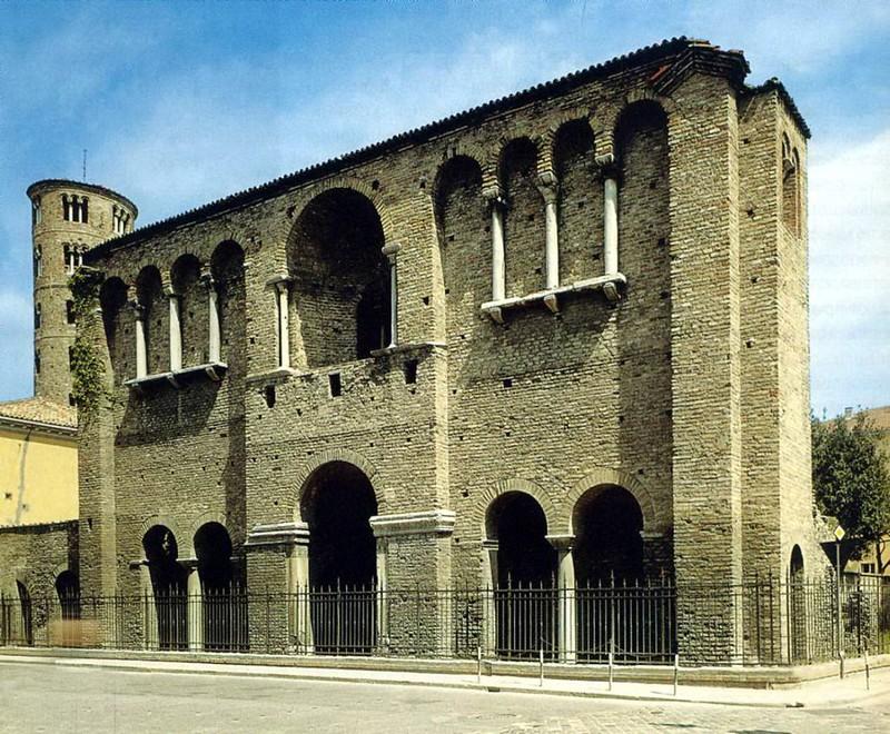 25 так называемый дворец Теодориха Великого VI-VII вв.