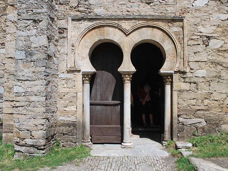 55 Вестготская арка Церковь Сантьяго-де-Пеньяльба 937 г