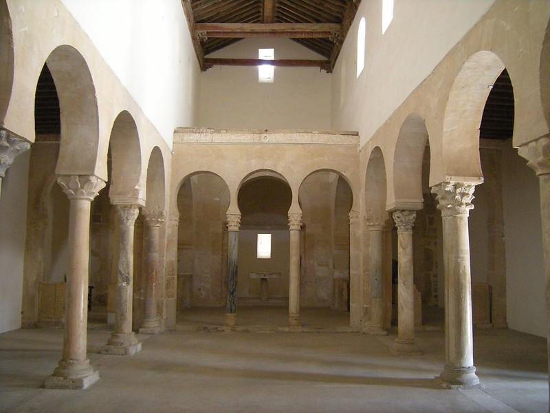 65 Церковь San Miguel de Escalada. Leon. Интерьер 951 г