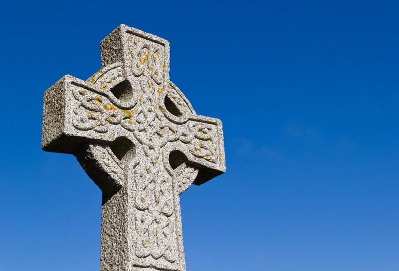 92 Кельтский крест с плетенкой VII-VIII вв