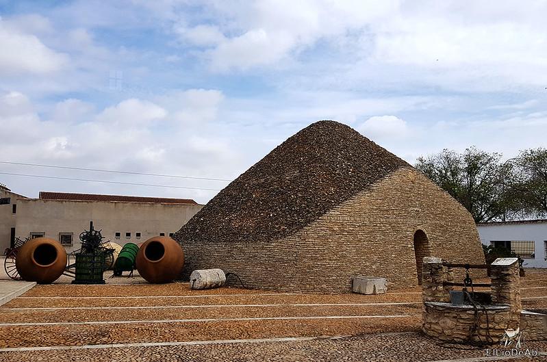 Fin de semana en la ruta del vino de la mancha por tomelloso y su entorno 20